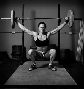 512px-Weight_lifting_black_and_white (1)